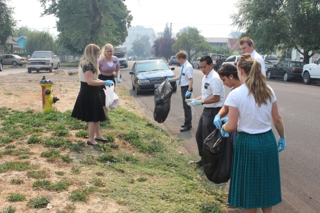 2015-8-22 District Service Project (7)