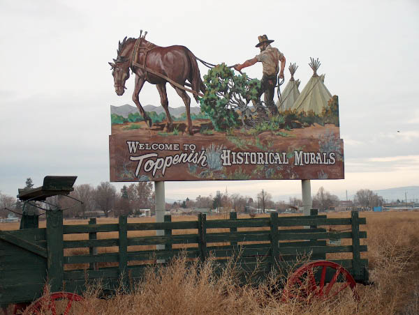 Toppenish Murals sign
