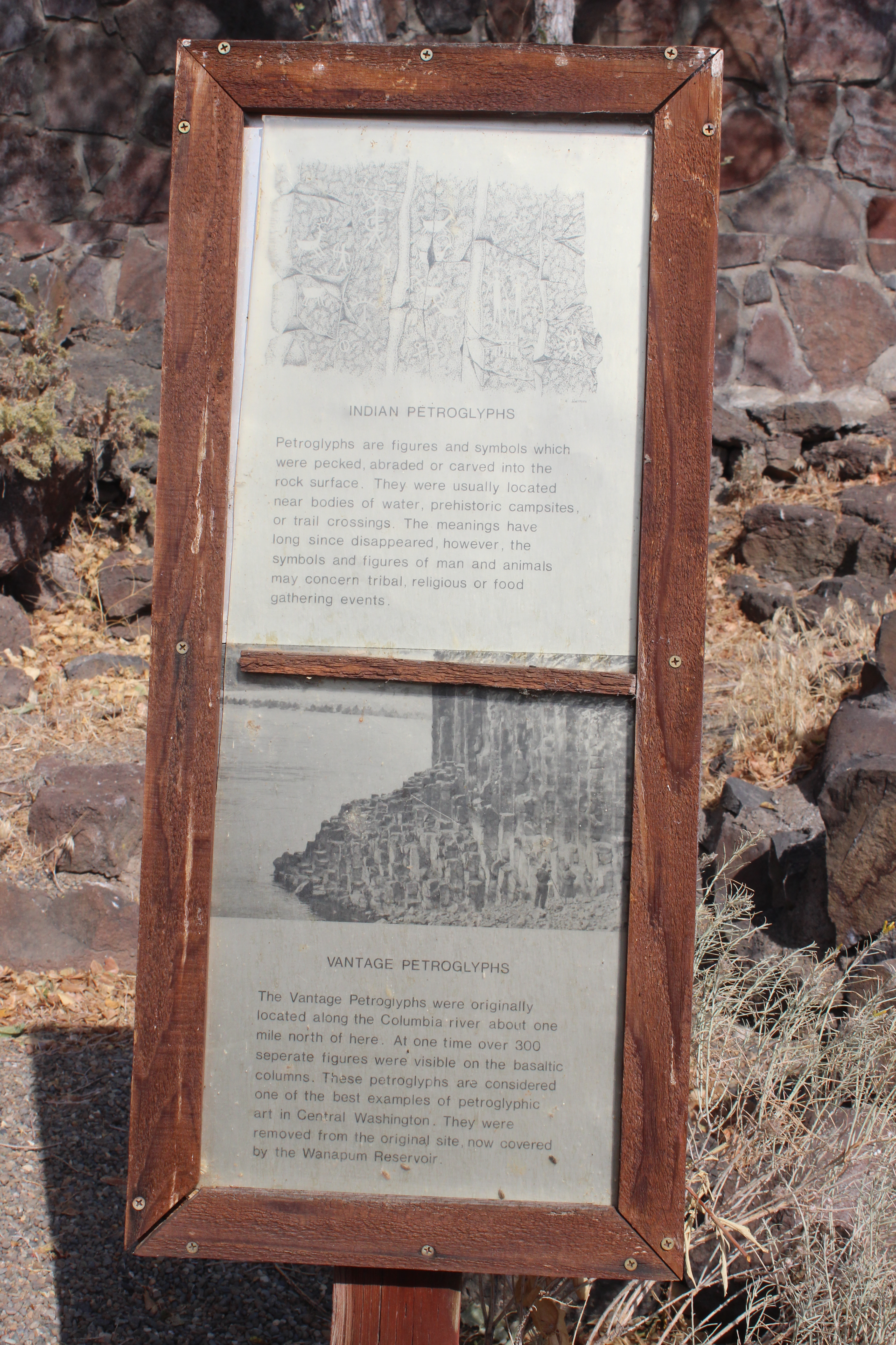 Vantage Petroglyphs In The Ginko Petrified Forest State Park Our