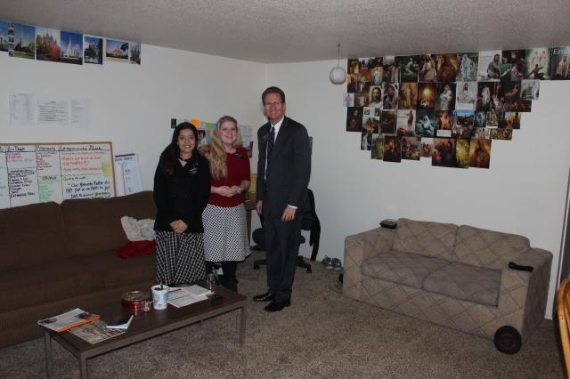 2015-11-18 Yakima Sisters' Apt (4)