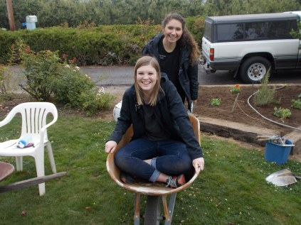 2016-10-11-yakima-missionaries-serve-27