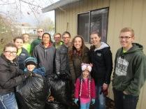 2016-10-11-yakima-missionaries-serve-67