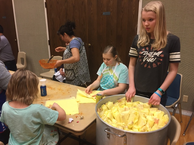 2017-3-11 Terrace Heights YW Tamale Making (40)