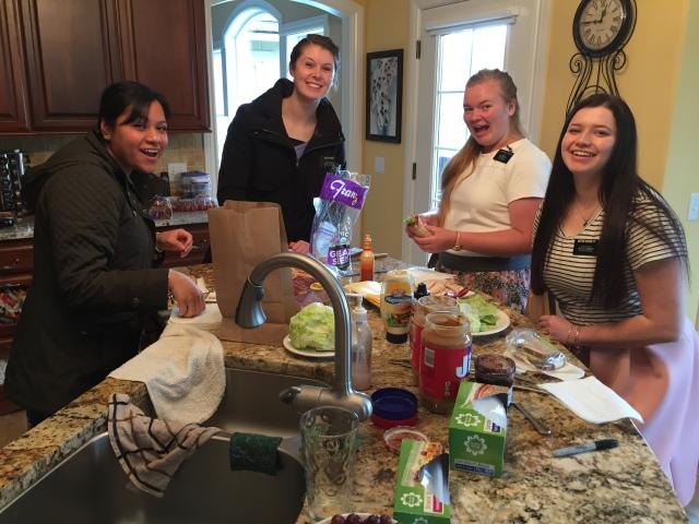 2017-3-15 Breakfast, Orientation (44)