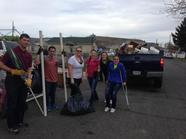 2017-4-22 Yakima Clean Up Day (1)