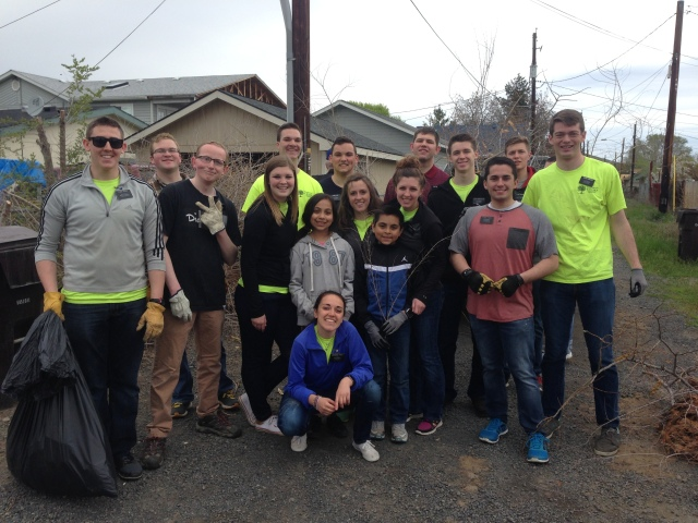2017-4-22 Yakima Clean Up Day (2)