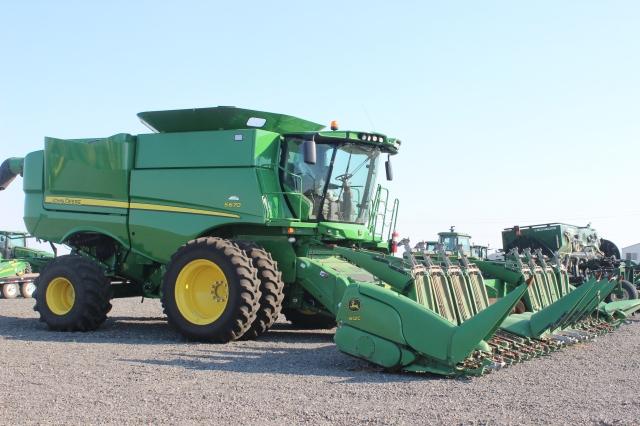 6 Othello Tractors (2)