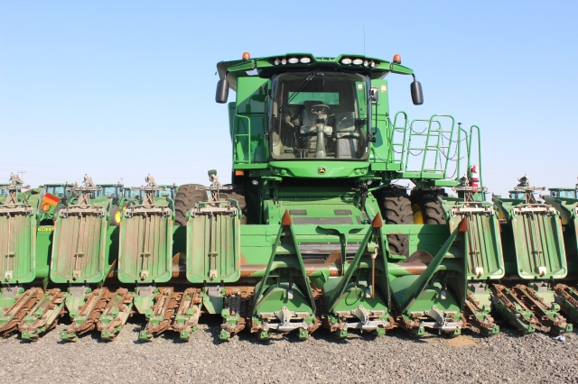 6 Othello Tractors (3)