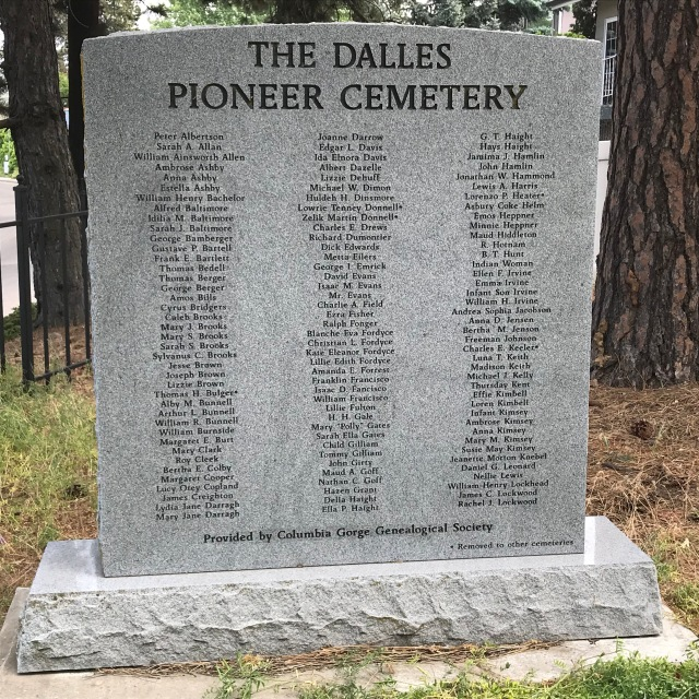 2018-5-20 Dalles z Pioneer Cemetery (51)